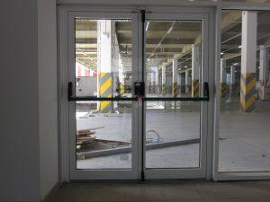Дверь с антипаникой